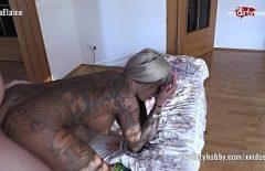 ممارسة الجنس مع Pitipoanca مأخوذة إلى الشمس مع هيئة فيديو إباحي بيئي