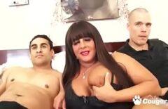 كس مع بريتون يريد ممارسة الجنس مع اثنين في وقت واحد